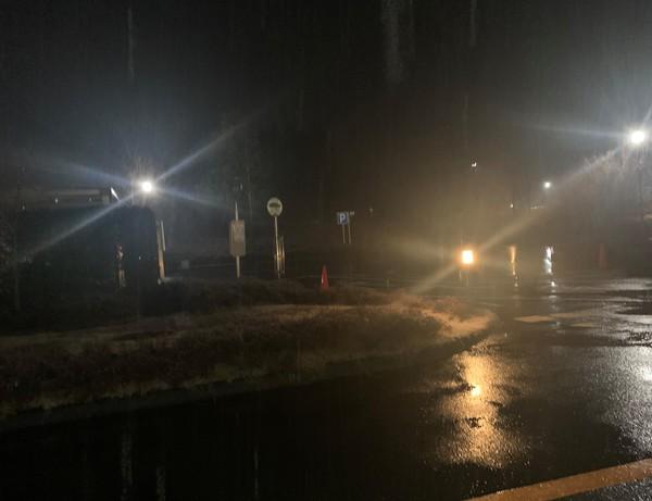夜の雨.jpg
